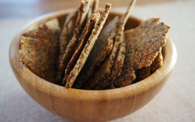 Wil je weten hoe je zelf koolhydraatarme crackers kunt maken?